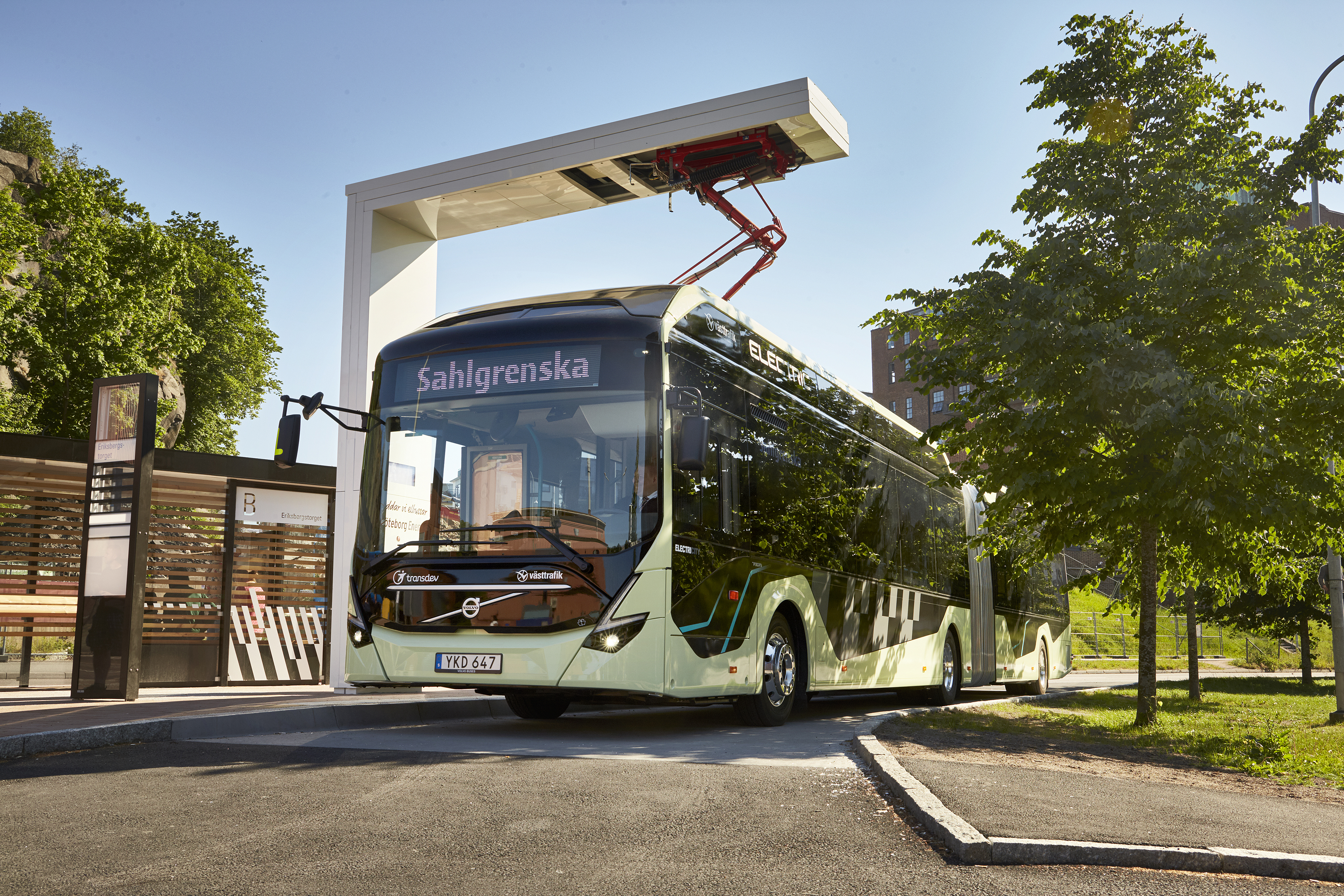 volvo_electric_articulated_concept_bus_2_1.jpg