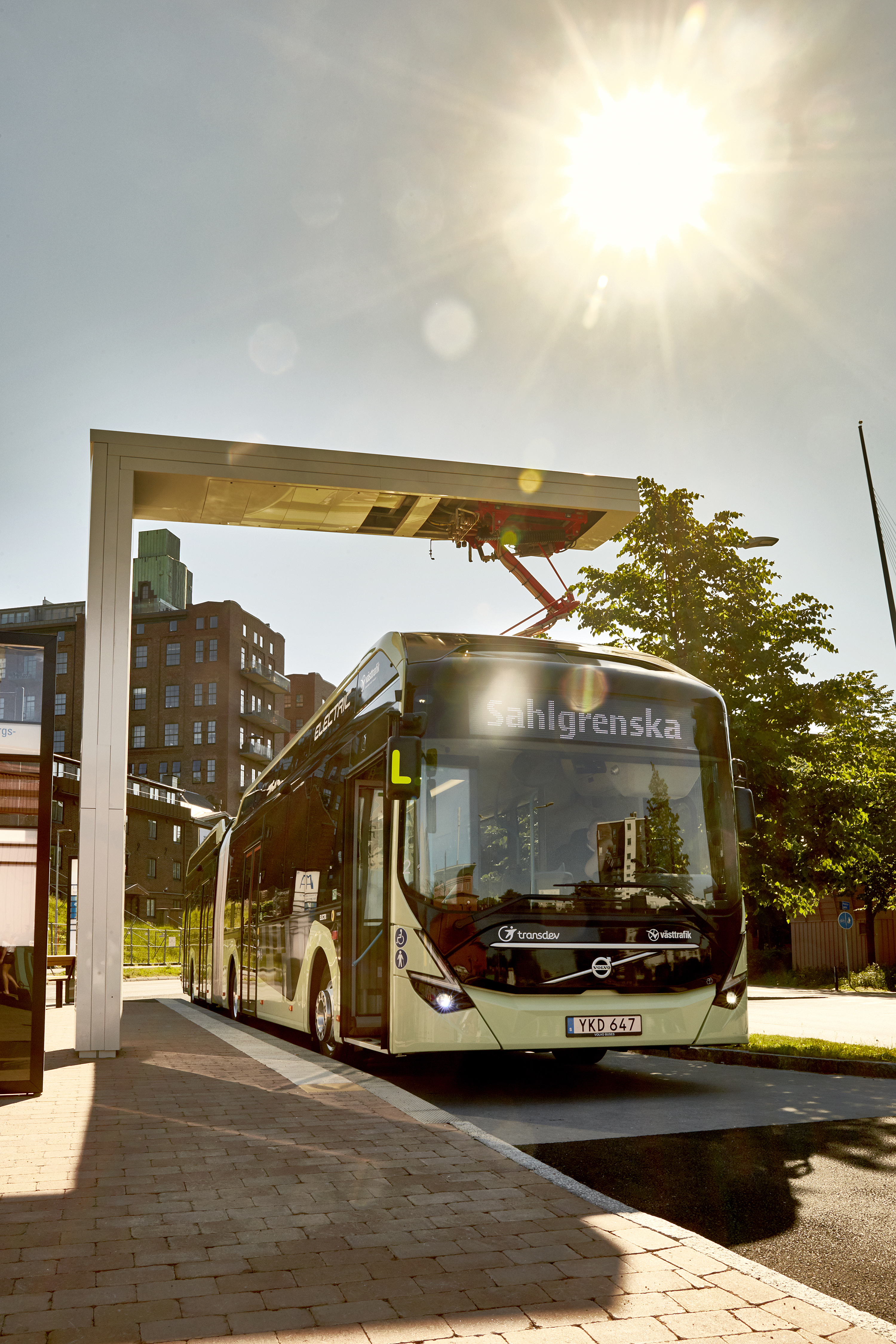 volvo_electric_articulated_concept_bus_4_1.jpg